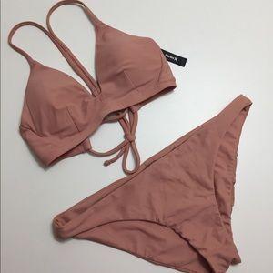 Hurley quick dry bikini. Peach. Medium/large.